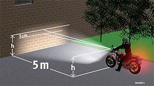 So können Motorradfahrer ihr Licht überprüfen.