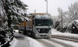 Auch für Nutzfahrzeuge sind Winterreifen vorgeschrieben. (Foto: DEGENER)