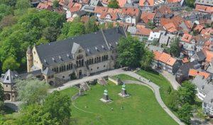 """Die traditionelle Eröffnung des Verkehrsgerichtstages findet in der historischen """"Kaiserpfalz"""" statt. © GOSLAR marketing gmbh"""