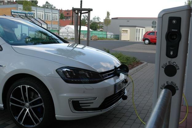 Neuwagen ab 2030 nur noch mit alternativen Antrieben?